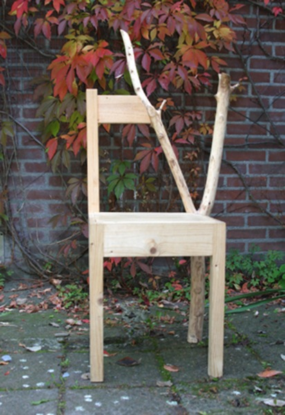 Grown-into-a-Chair-by-Natalie-Staempfli