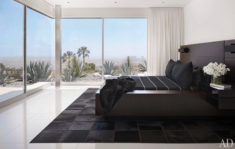 Minimalist style eclectic living home for Minimalist house beverly hills