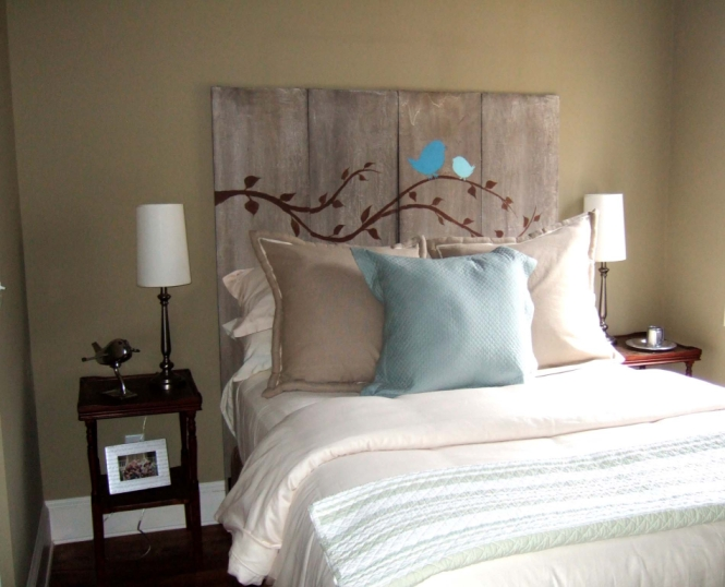 Here are some more great headboard ideas I saw on TaterTots & Jello that  will hopefully